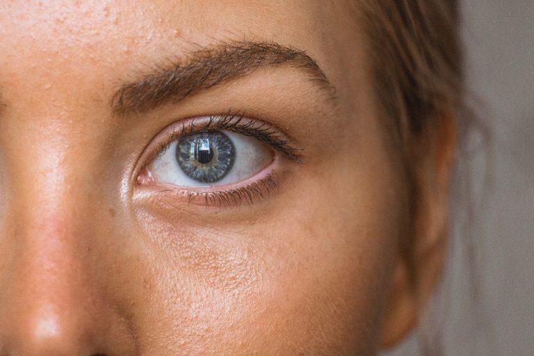 Gesichtsausschnitt einer Frau