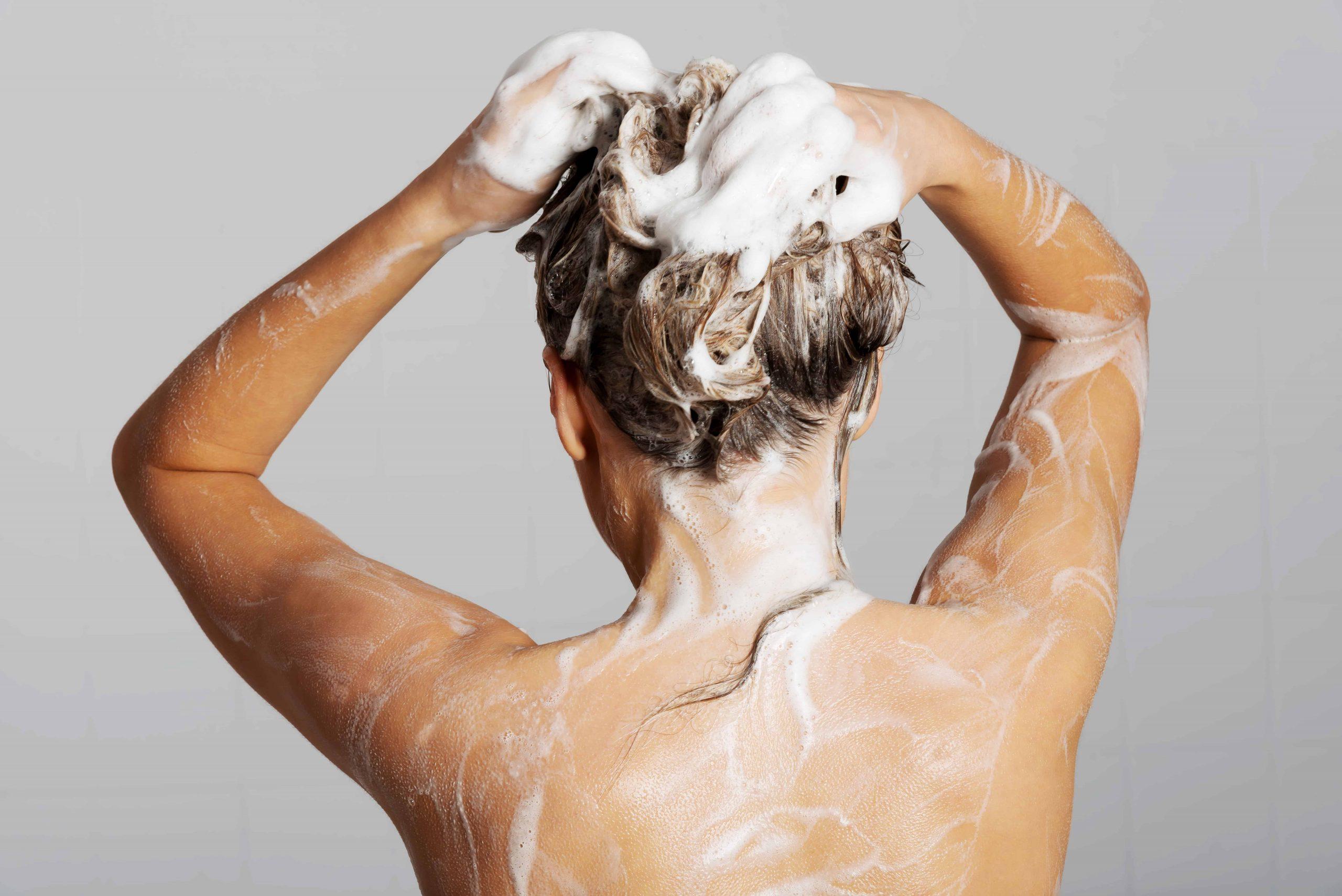 Shampoo selber machen: Rezepte und Tipps